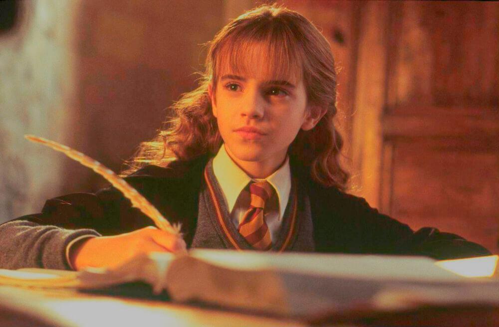Hermiona nad książką